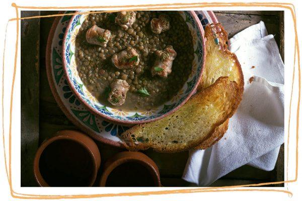 Minestra di Lenticchia di Altamura I.G.P. con salsiccia e crostoni di Pane di Altamura D.O.P.